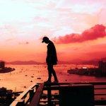 Compreenda o importante papel da solidão na adolescência